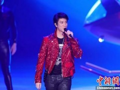 王力宏开启世界巡演 现场宣布三胎喜讯