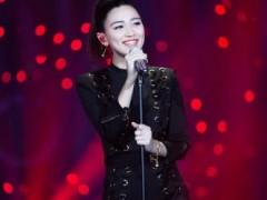 张天将亮相草莓音乐节 因《歌手》出道声音独特